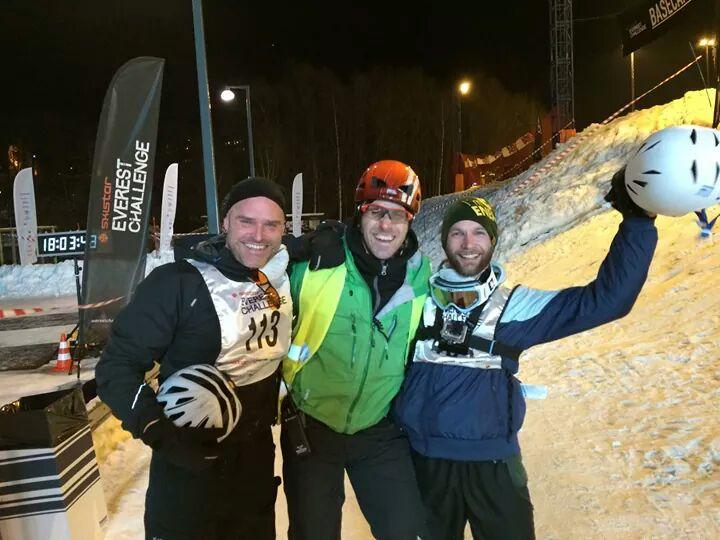 Glädje efter att ha sprungit Everest Challenge