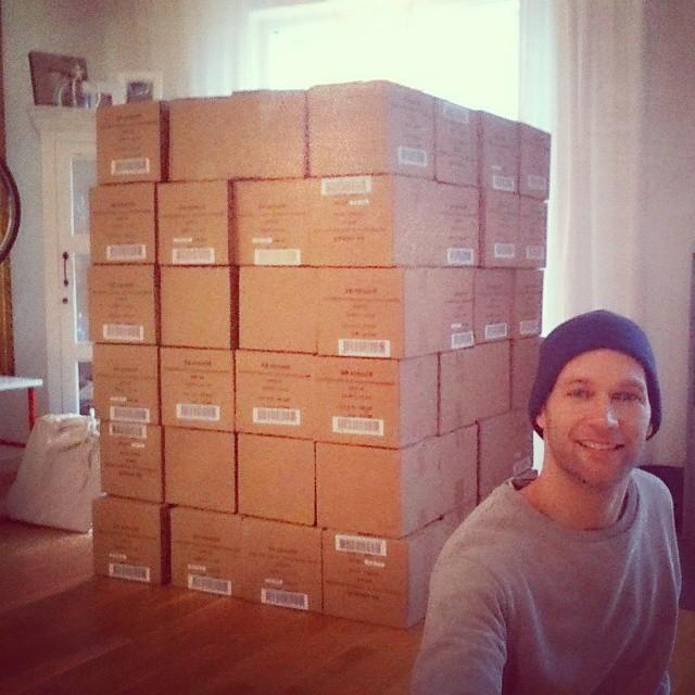 Bönpasta från Risenta. Ganska precis 384 lådor.