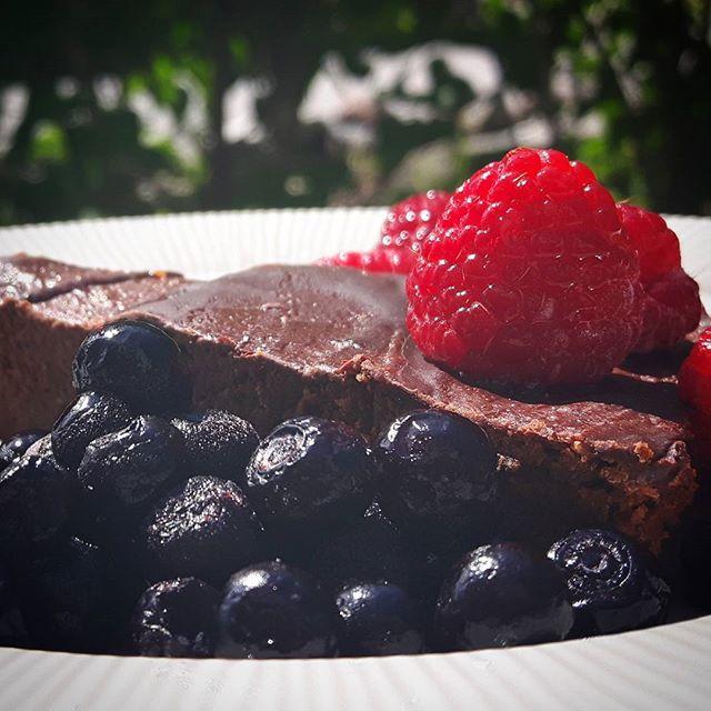 Värsta bästa chokladkakan!  Recept på bloggen.  Proppad med protein, utan gluten och tillsatt socker.  Fantastiskt god också!