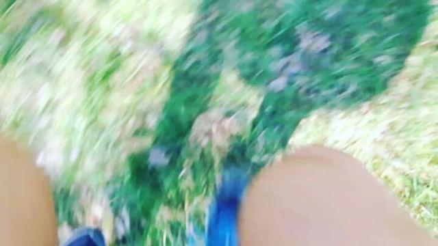 Du vet att du springer i skogen när du (under 43 minuter) hinner se två, ormar, ett rådjur, få en fluga i munnen och en citronfjäril i ansiktet.  Trailrunning när det är som mest intensivt.