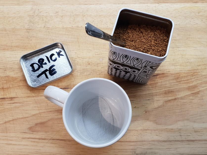 Drick te i stället för kaffe